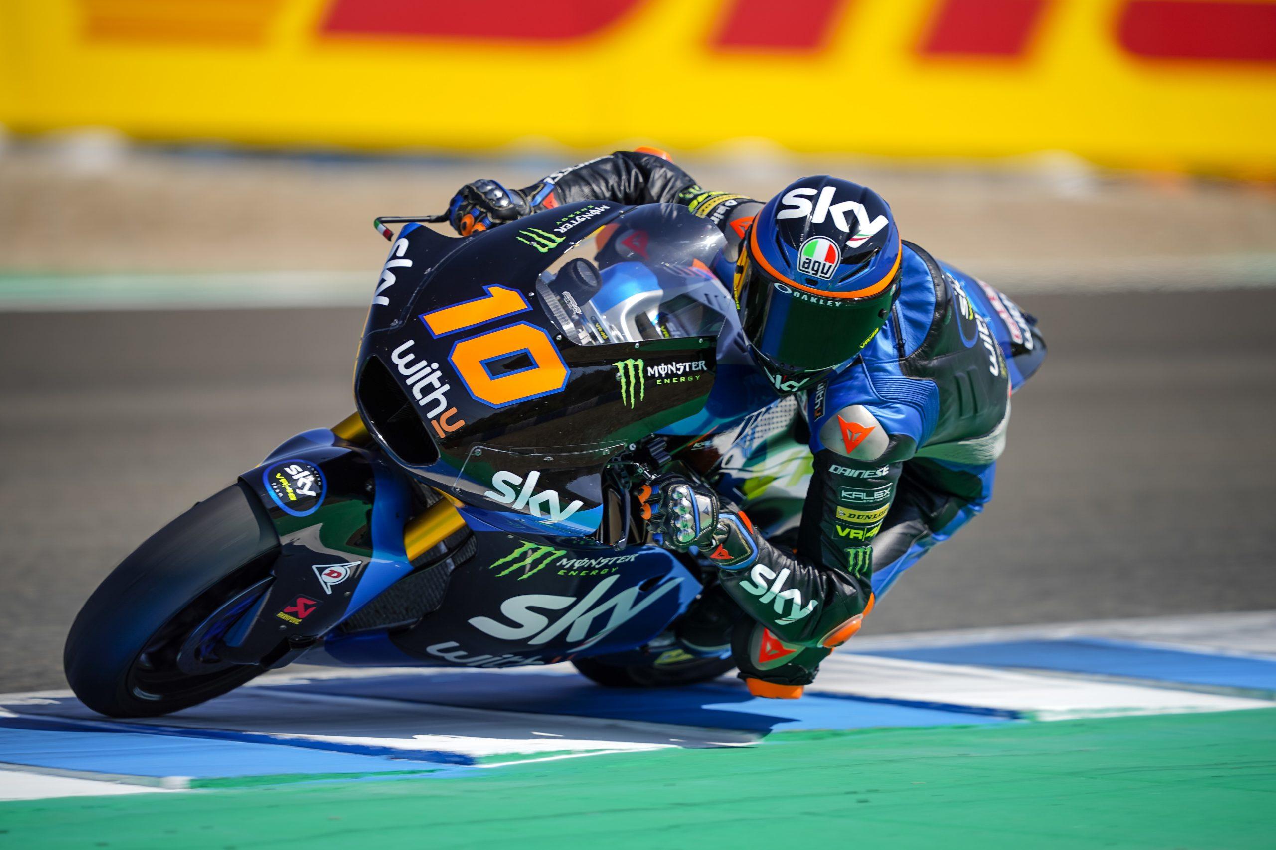 Luca Marini vence imponiendo un dominio absoluto en Jerez