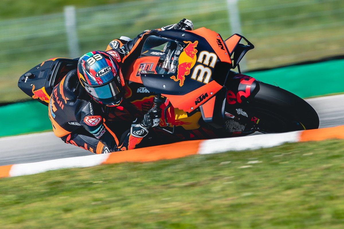 Brad Binder corona por primera vez a KTM en su tercera carrera en MotoGP