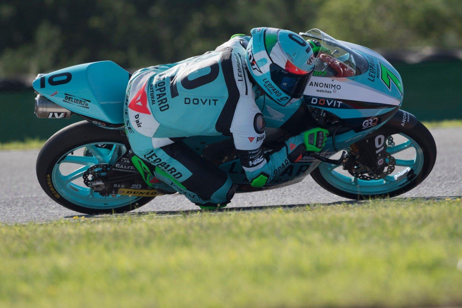Dennis Foggia se gradúa en Moto3 y Albert Arenas saca pecho en Brno