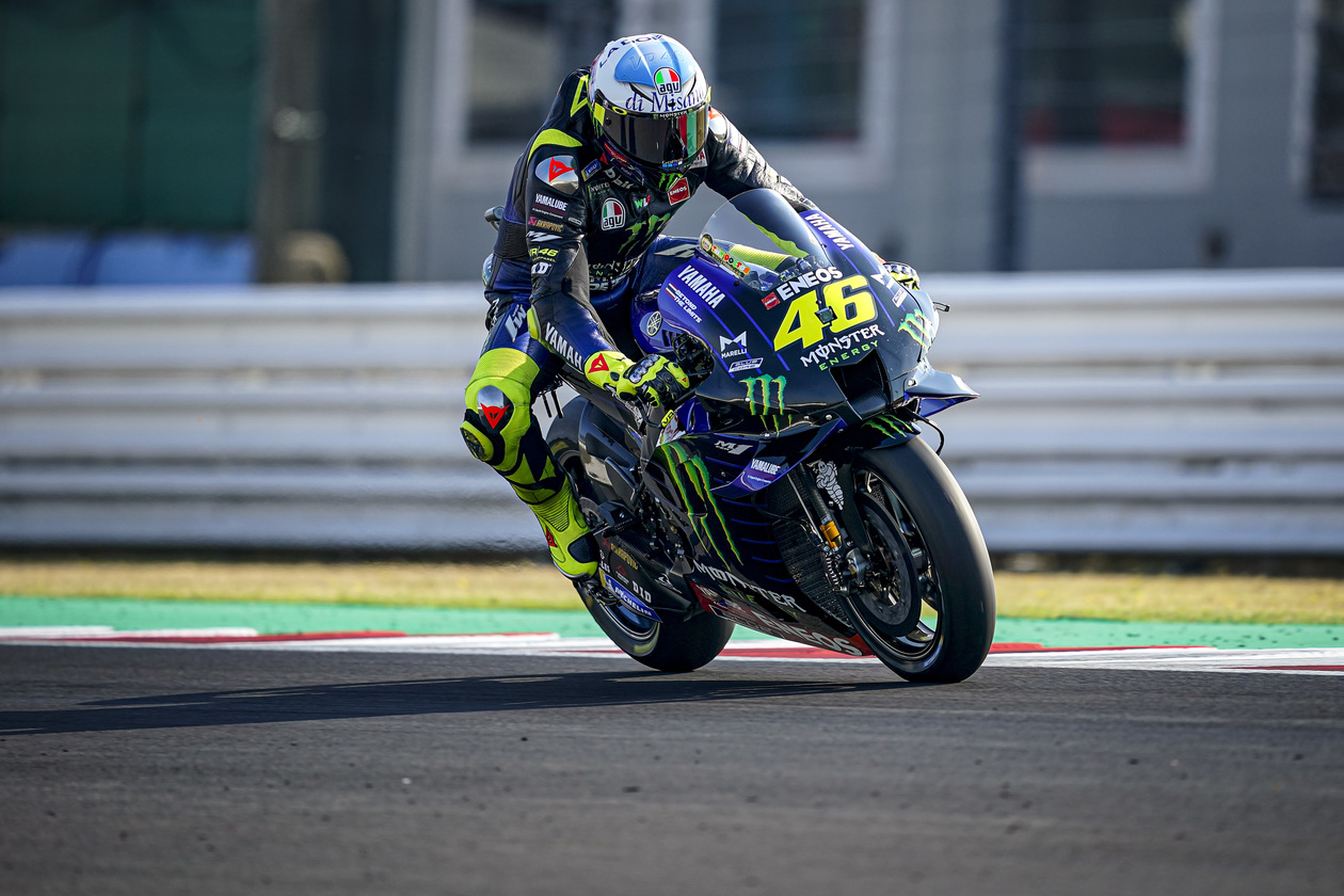 """Valentino Rossi, tras caer en Misano: """"el resto de Mundial me veo luchando por el podio"""""""