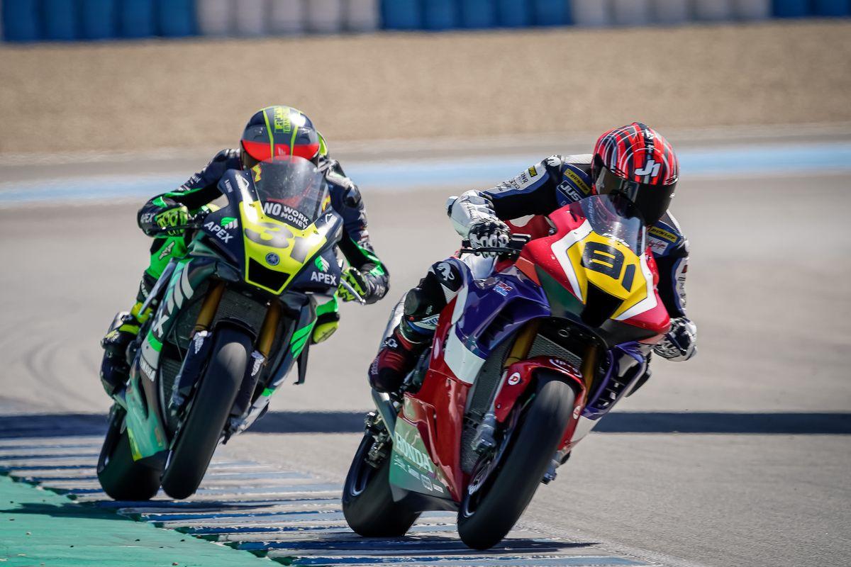 Jordi Torres gana las dos carreras en Jerez