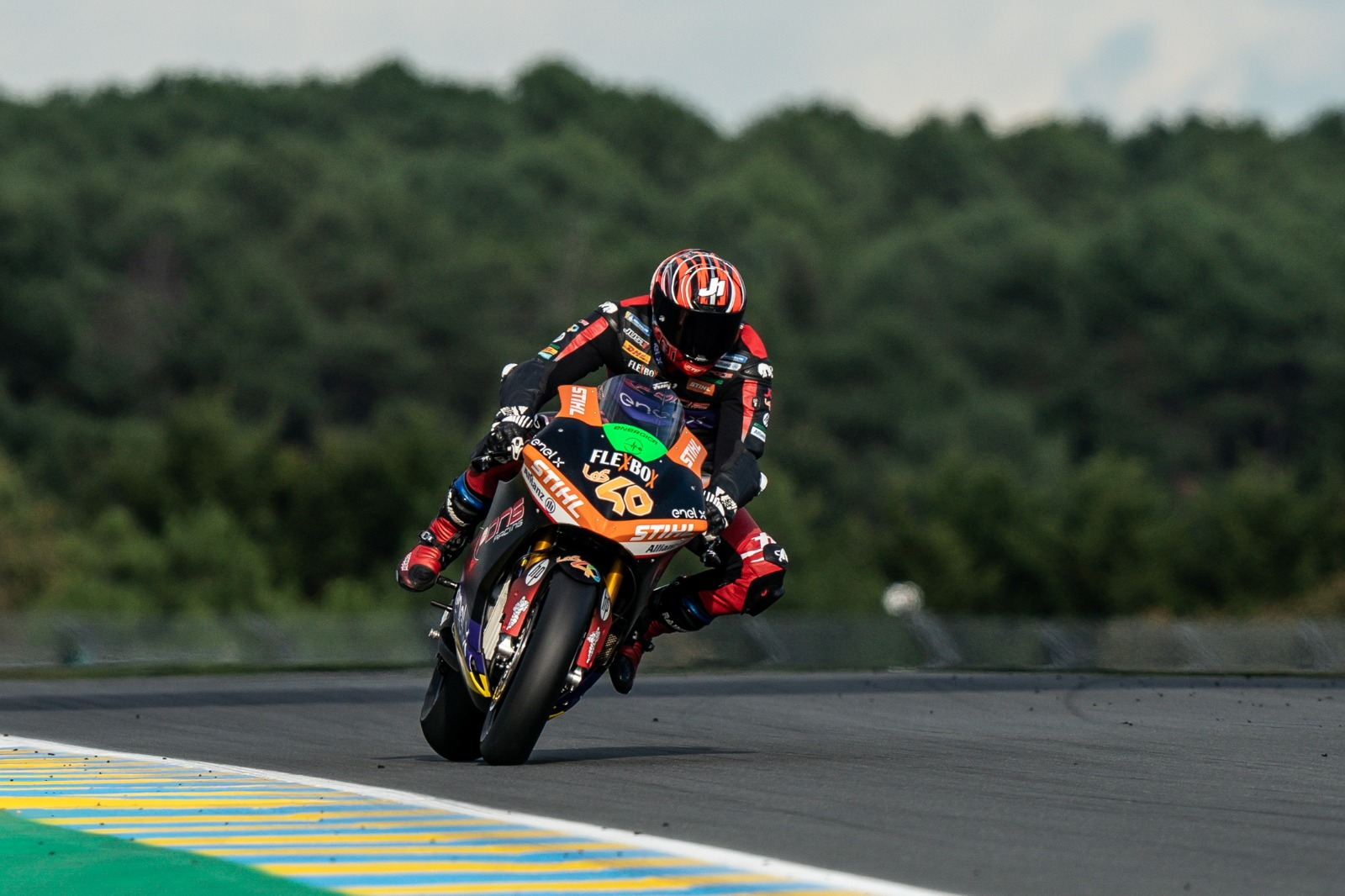 Jordi Torres se alza como campeón de MotoE con victoria de Niki Tuuli