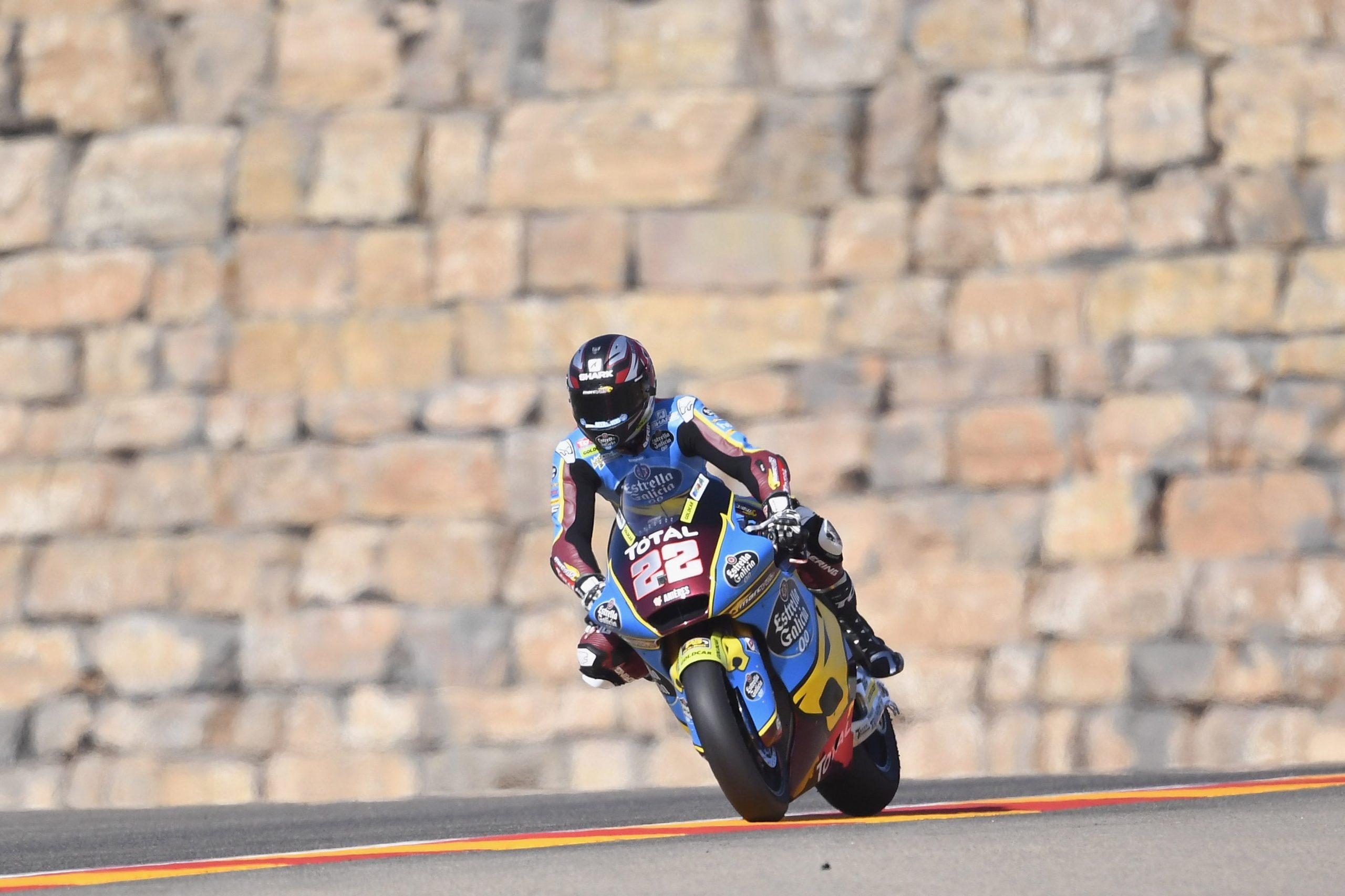 Sam Lowes se encuentra la victoria tras la caída de Marco Bezzecchi en Aragón