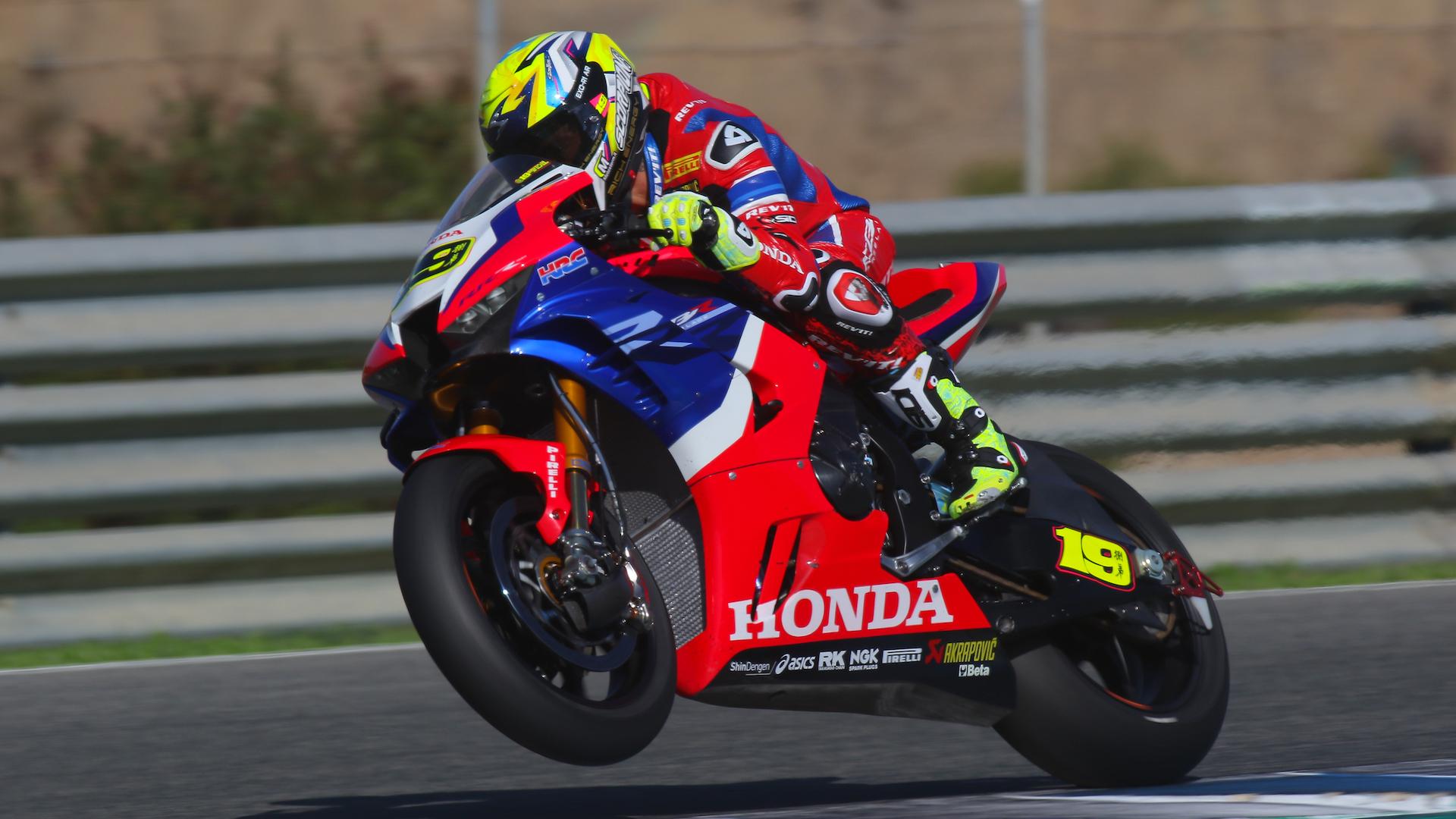Test SBK Jerez, día 1: Garrett Gerloff manda sobre Jonathan Rea