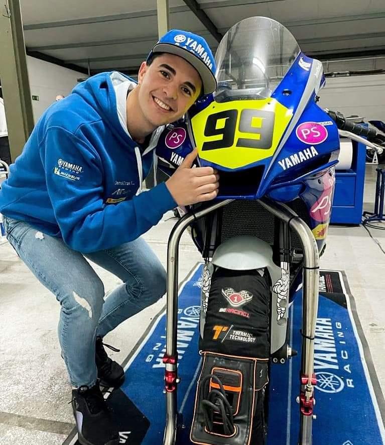 Óscar Gutiérrez da el salto a Superbikes