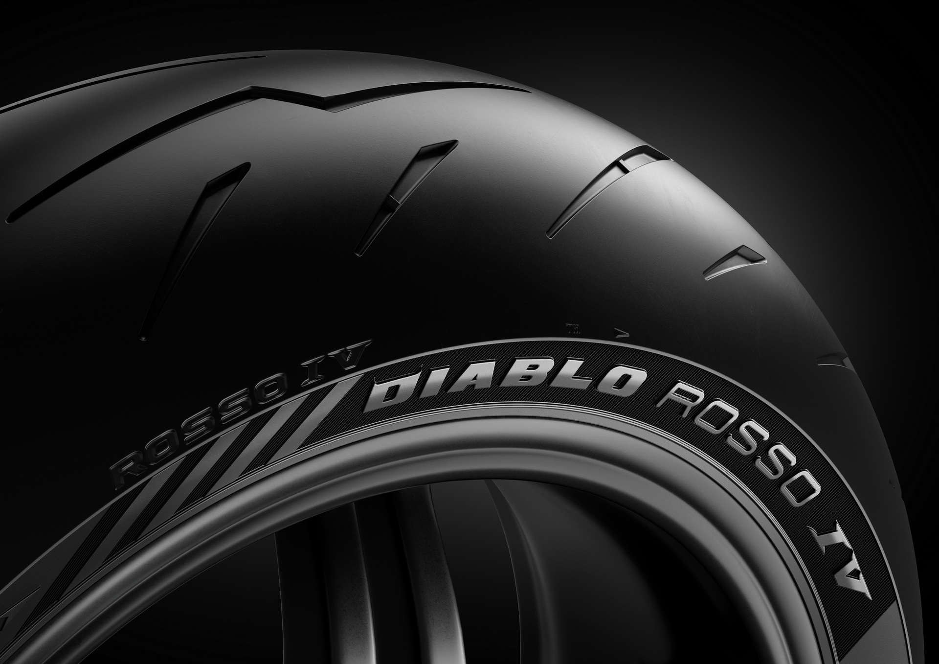 Llega el nuevo Pirelli Diablo Rosso IV
