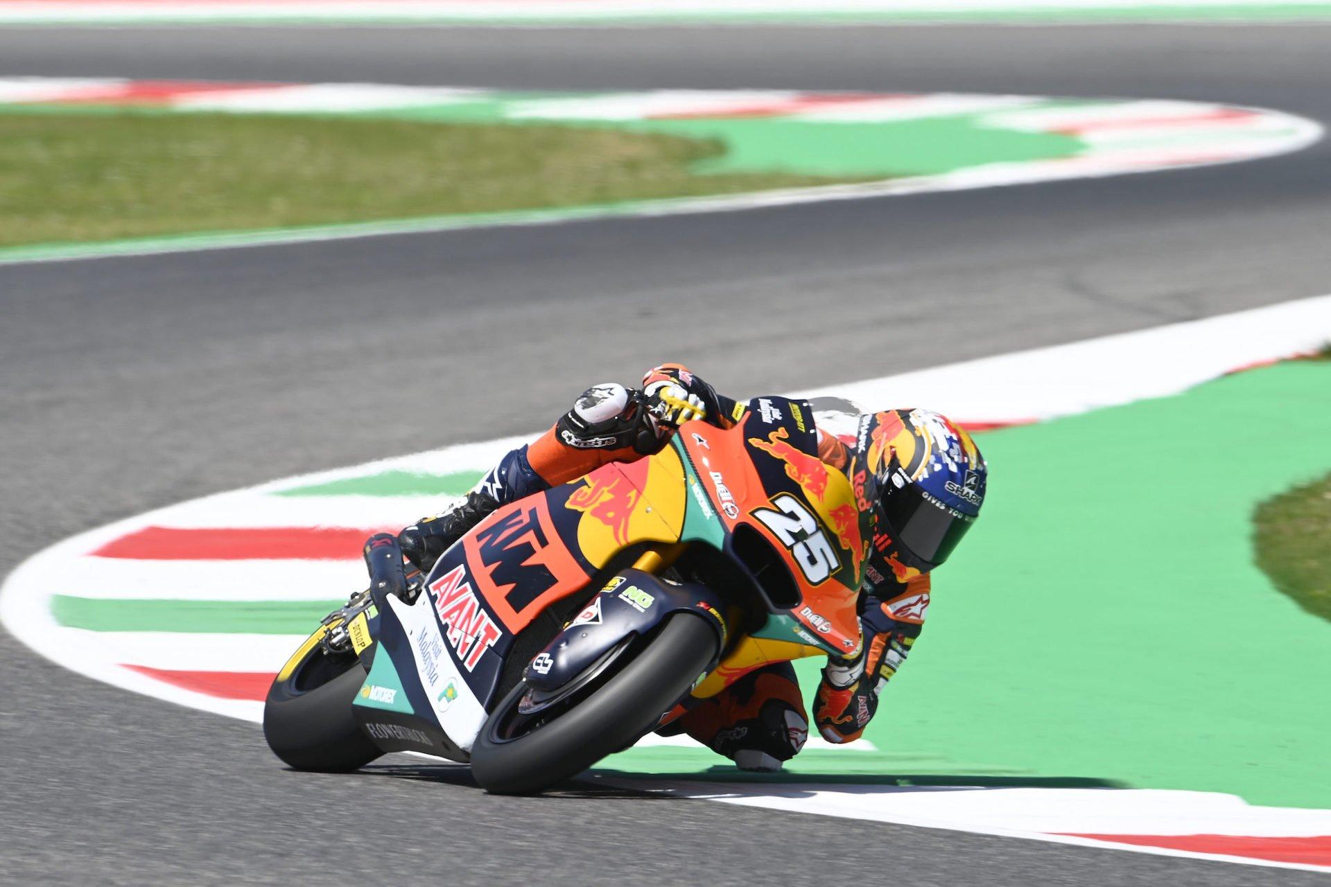 GP Italia, resultados Moto2 viernes: Raúl Fernández planta cara a Sam Lowes. Caída de Ramírez (video)