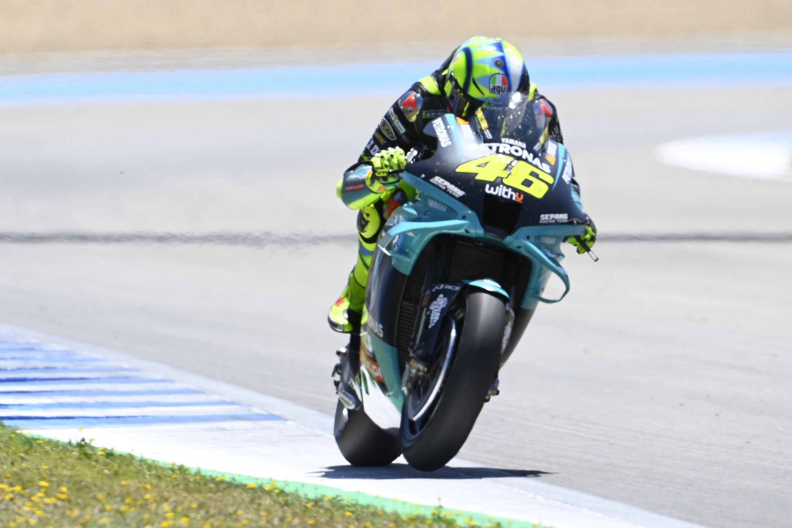 Rossi no entiende por qué no es rápido