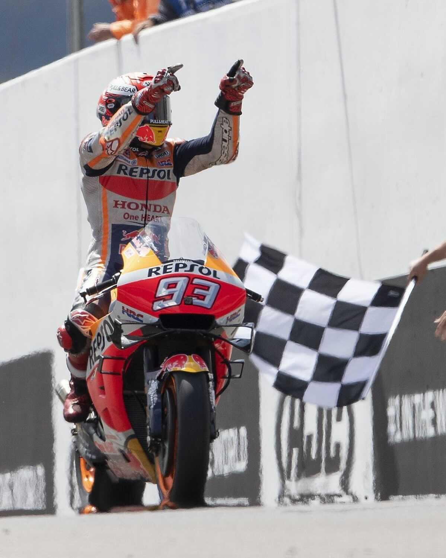 Marc Márquez se rescata en Sachsenring y regala a MotoGP una historia épica