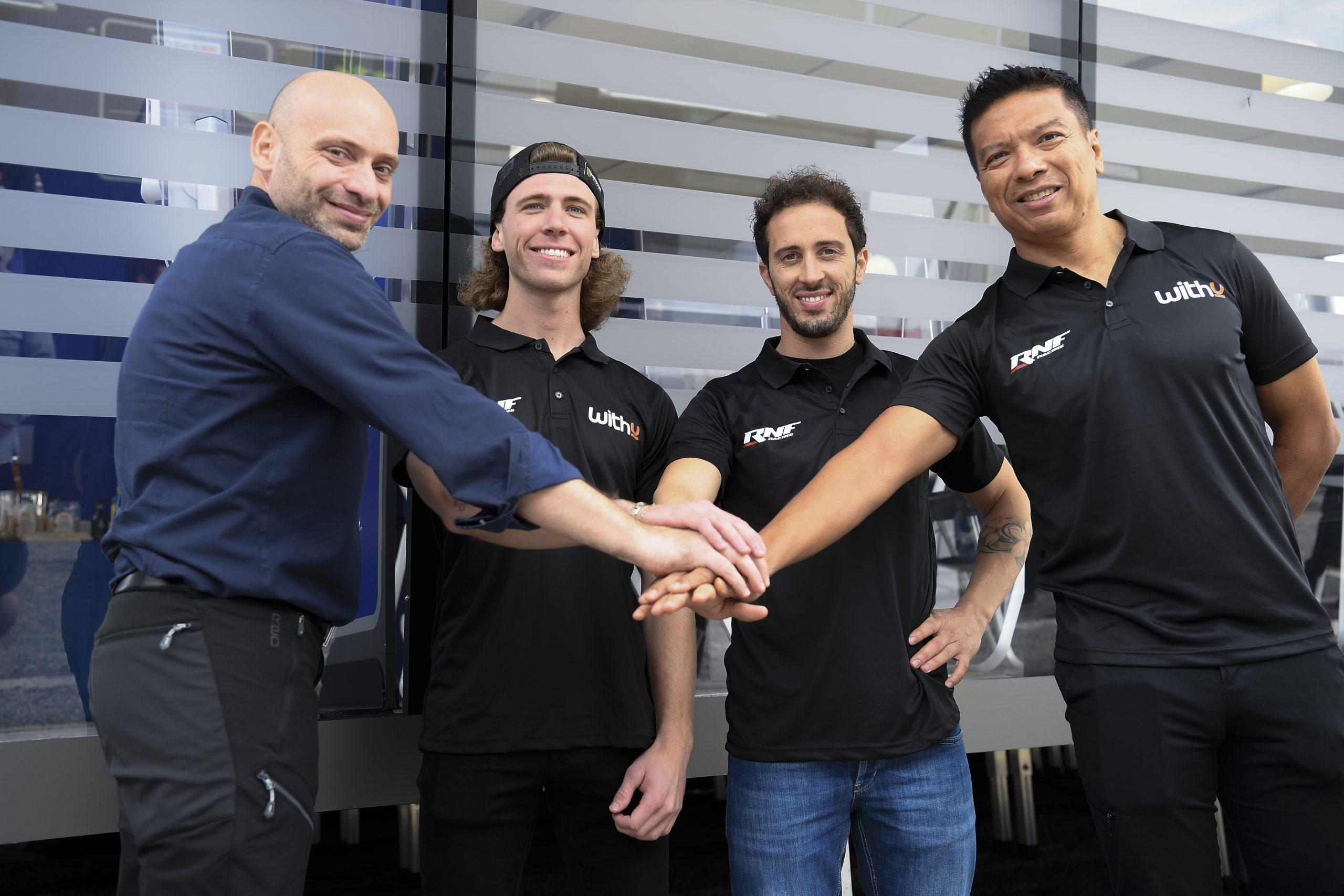 Darryn Binder sube directo a MotoGP
